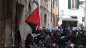 Expulsion du siège de l'USI-AIT à Florence sgombero-sede-USI-AIT-a-Firenze-300x167